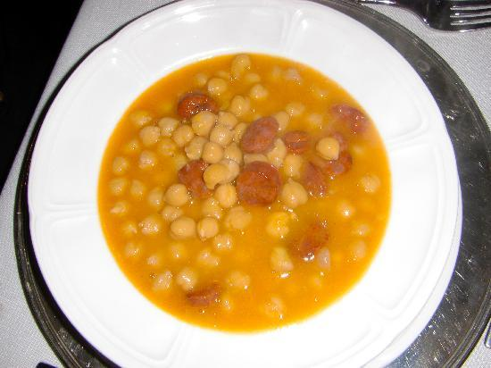 Restaurante Angel: Chorizo and garbanzo beans