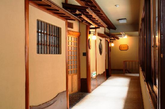 Tonosawa Ichinoyu Honkan: 館内廊下