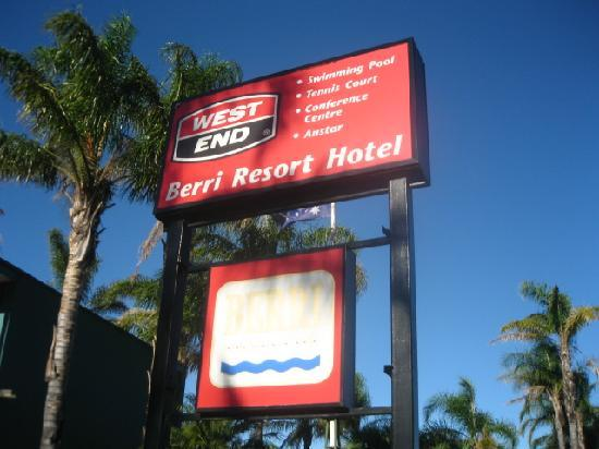 Berri Hotel: hotel signboard