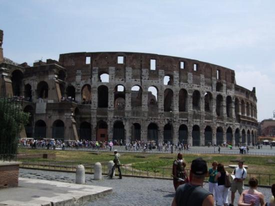 Colosseum: colosseo - rome