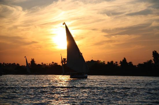 Venus Hotel: Felucca ride on the Nile