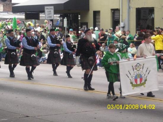 Savannah, GA: I don't know how many bag pipers were in the parade....DEFINITLY got a little sick of seeing so