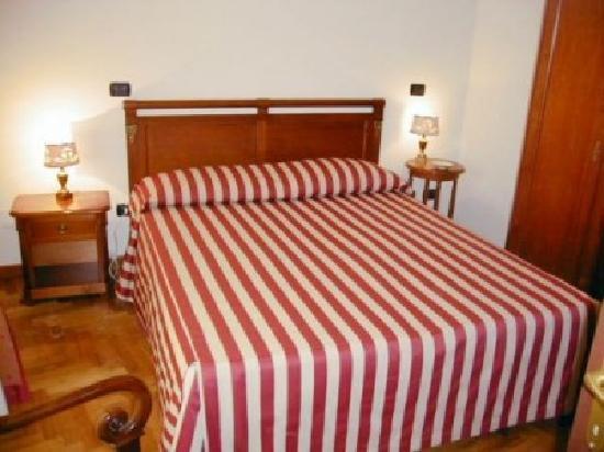 Residence Acropoli: camera matrimoniale con terrazza privata