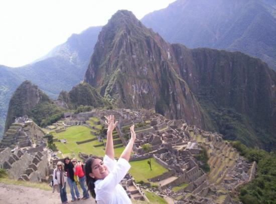 Inca Trail: Abra- Kadabra- Pata de cabra. Bum! Bienvenidos a MACHUPICCHU. Si no se dan prisa, ya no llegan.