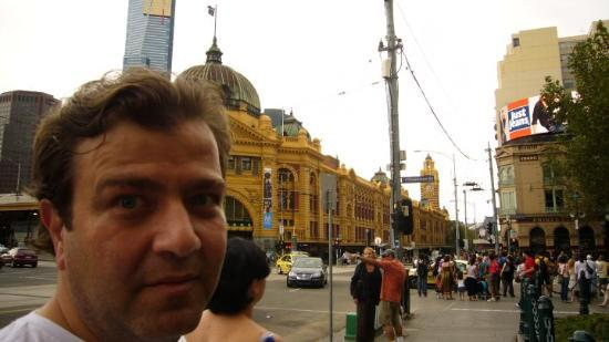 Flinders Street Station: Flinders da 'bu ne kalabalik boyle !'  bakisi