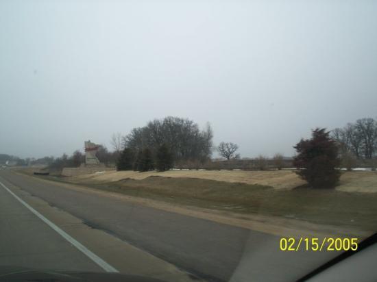 Bloomington, MN: At Iowa-Minnesota border, I-35.