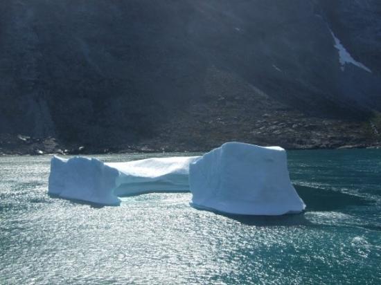 Qaqortoq, Grønland: one of many iceburgs