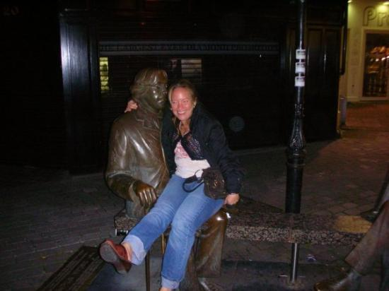 Galway, Irland: Me and Oscar Wilde