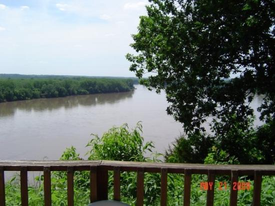 Rocheport, MO: Les Bourgeois Winery - View of Missouri river at A frame.