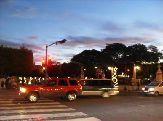 Morelia, Mexico: La plaza principal