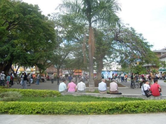 Parque de las Palomas Caidas, Tulua