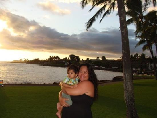Kauai, HI: Deven & Auntie JJ