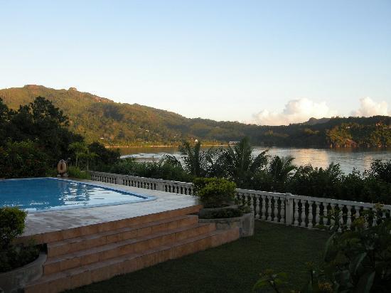 BayView Seychelles: Piscine chaude