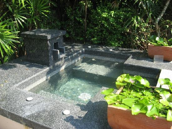 Banyan Tree Phuket: Private jacuzzi in the villa