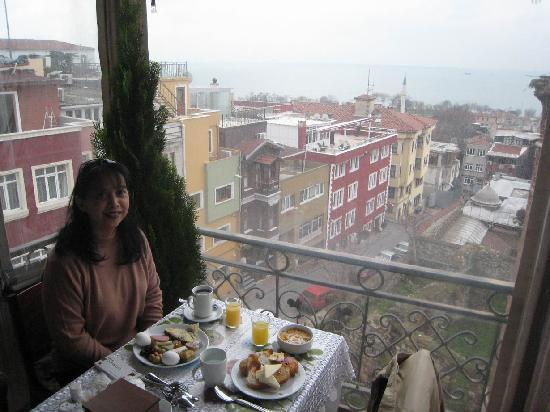 Ada Hotel Istanbul: The breakfast area is protected by clear plastic