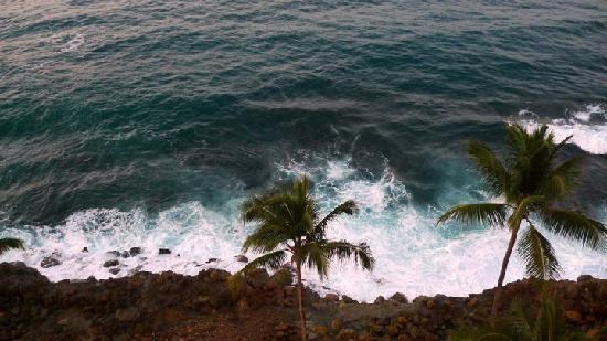 The Condado Plaza Hilton: the ocean downstairs