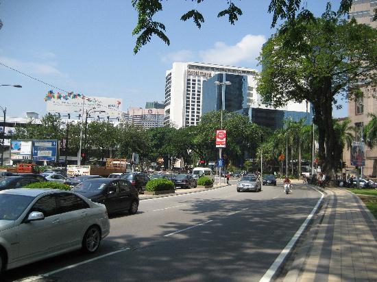 Hotel Maya Kuala Lumpur: Hotel Maya from Petronas Towers