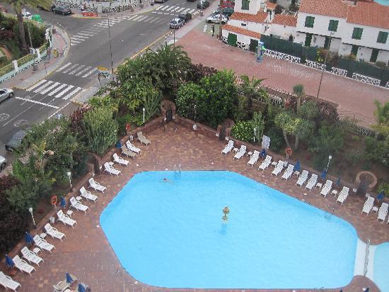 Hotel Caserio: Swimming pool