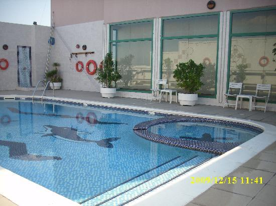 Pearl Residence Hotel Apartments: the lovely pool at the roof top