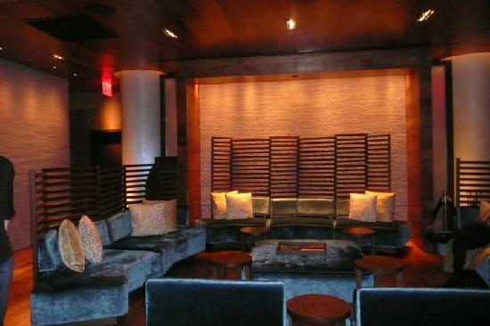Kimpton Ink48 Hotel: Hotel reception area
