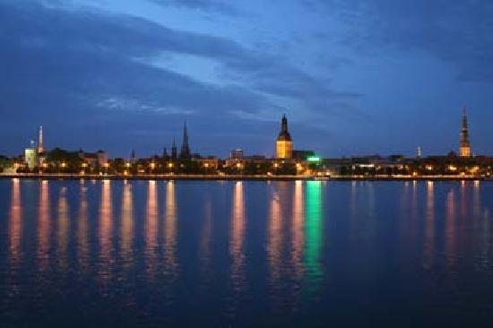 Hanza Hotel: Riga at Night