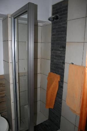 Voi Safari Lodge: New Shower