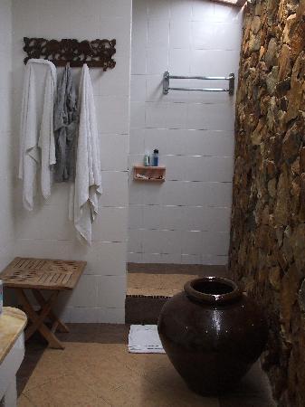 Sunset Beach Resort: the shower