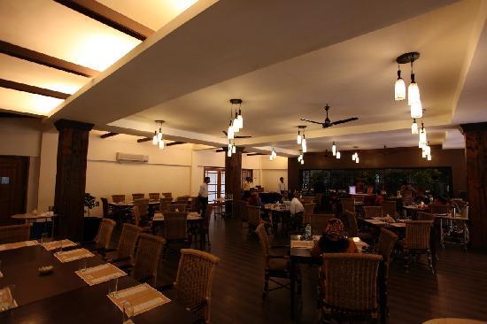 IORA - The Retreat,Kaziranga: The restaurant at Hotel Iora, The Retreat at Kaziranga National Park, Assam, India