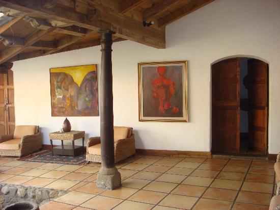 Los Almendros De San Lorenzo: Door to my room and art