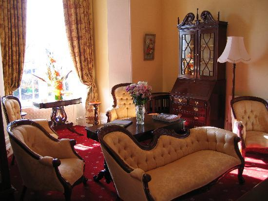 Abbeyville House: Sitting Room