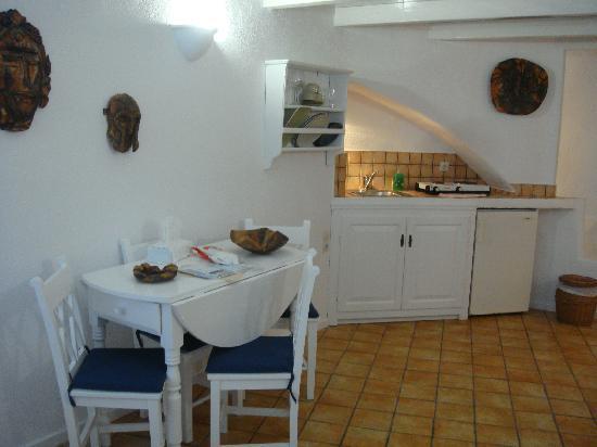 Mill Houses Elegant Suites: Kitchen