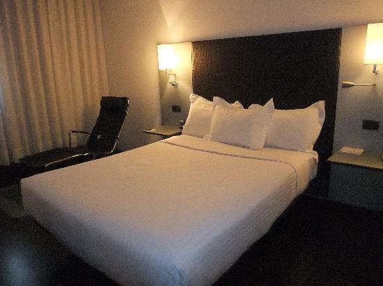 AC Hotel Porto: Bedroom