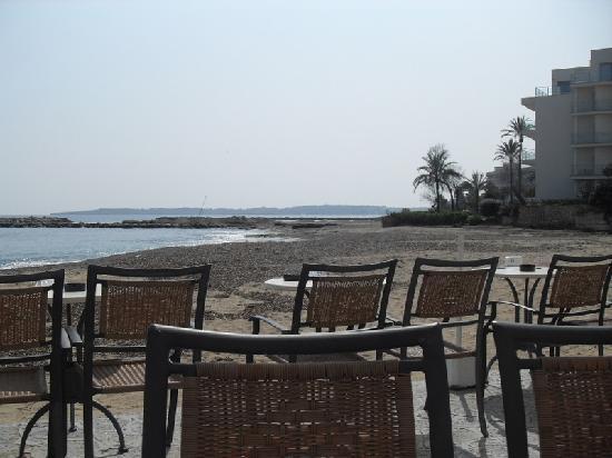 Hotel Levante: snack bar on beach