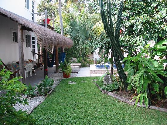 Villa Escondida Cozumel Bed and Breakfast: Our room was upstaris