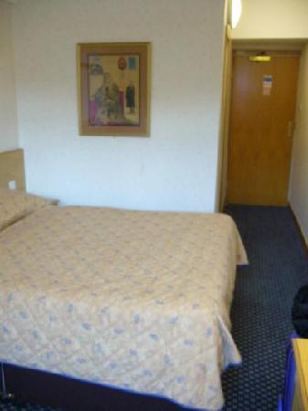 President Hotel: ベッドはダブルでした