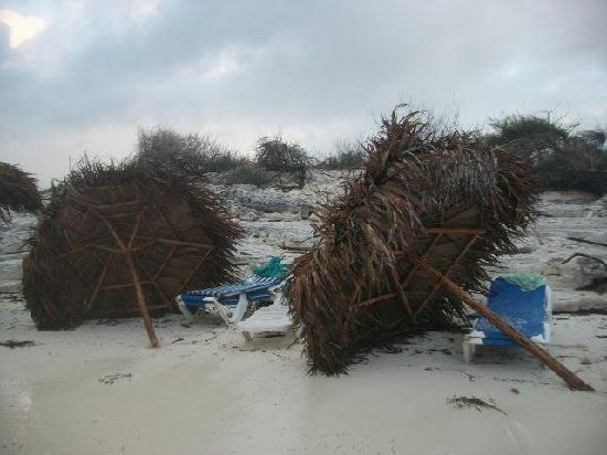 Iberostar Playa Blanca: Cobanas after tide came in