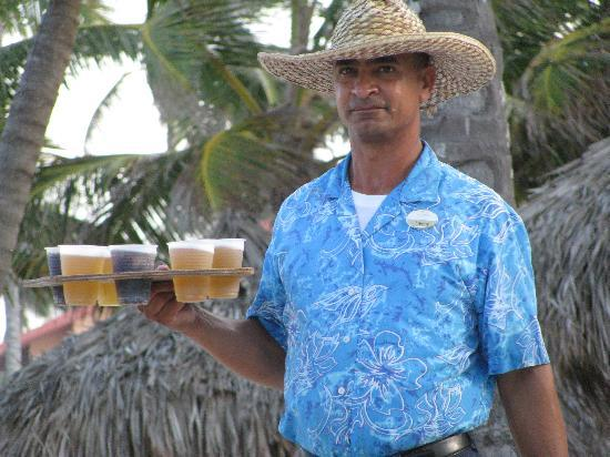 Majestic Colonial Punta Cana: Denny on the beach from the beer man