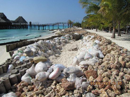 Diamonds La Gemma dell' Est: Spiaggia + Bella Dell'Isola?