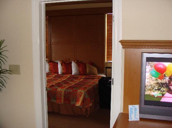 Floridays Resort: Master Bedroom