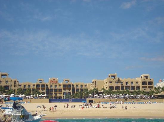 Hotel Riu Santa Fe: Riu Santa Fe coming back from Lovers Beach