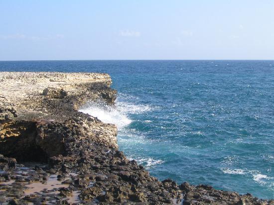 Pineapple Beach Club Antigua: Devil's Bridge