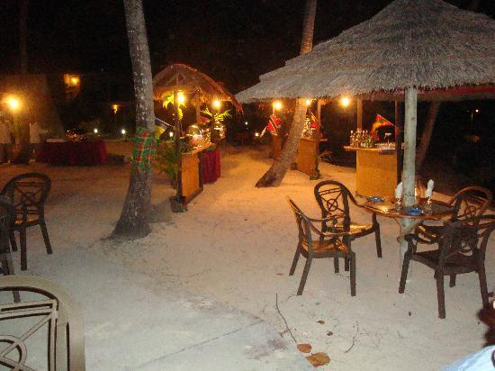 Palm Island Resort & Spa - All Inclusive: sunset bar and grill on BBQ night