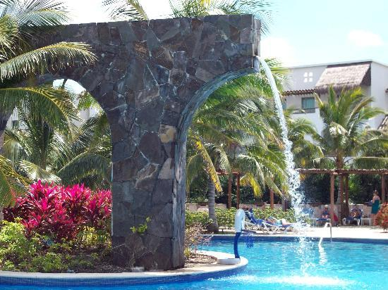 Valentin Imperial Riviera Maya: Pool