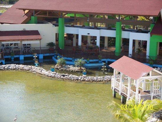 Memories Caribe Beach Resort: vue sur la réception