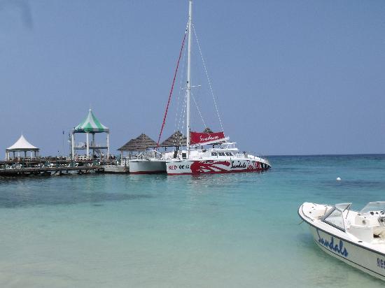 Sandals Ochi Beach Resort: Beach
