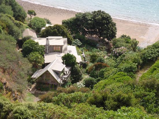 Ngaio Bay Ecostay B&B: Ngaio Bay with Cottage closest to the water