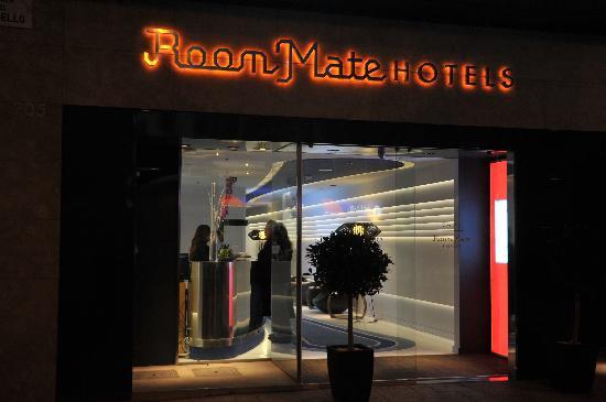 Room Mate Emma: L'ingresso