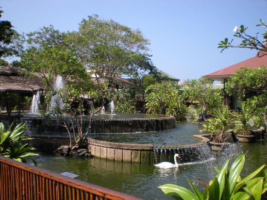 Hilton Colombo: Grounds of Hotel