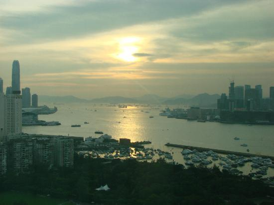 Metropark Hotel Causeway Bay Hong Kong: View from our room at sunset