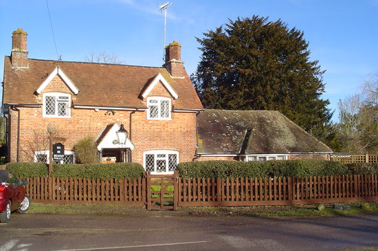 Wych Green Cottage: Front of cottage